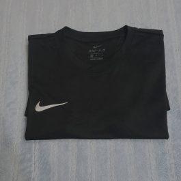 Polera Nike Negro