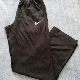 Buzo Nike Negro