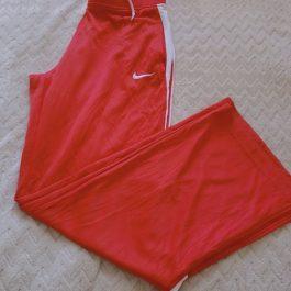 Pantalon Buzo Rojo Talla M